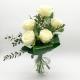 RAFFINATA ELEGANZA: 5 rose bianche