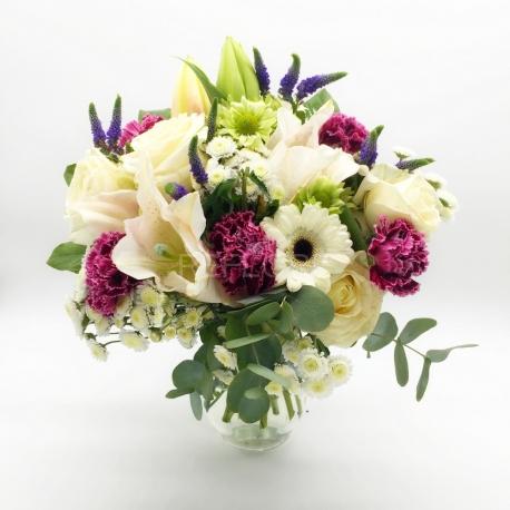 PASSEGGIATA NEL BOSCO: rose, gerbere e gigli bianchi, veronica e garofani