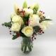PURA POESIA: rose e gigli bianchi con bacche