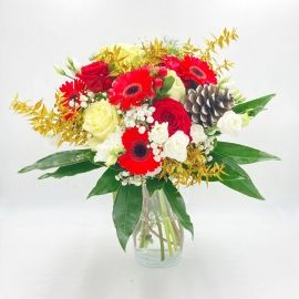 RIFLESSI DORATI: rose bianche e rosse, gerbere e oro
