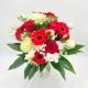 RIVERBERO ROSSO: rose bianche e rosse, gerbere e bacche
