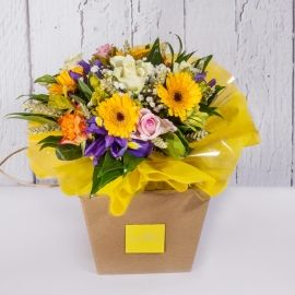 Bouquet giallo di ferbere e rose