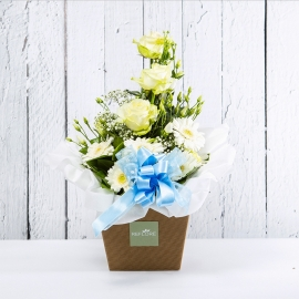 AZZURRA: bouquet fresh bianco con Lisianthus, Rose e Gerbere.