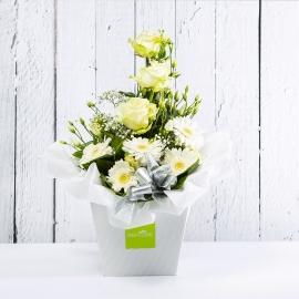 DILETTA: bouquet fresh bianco con Lisianthus, Rose e Gerbere.