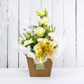 DIAMANTE: bouquet fresh bianco con Lisianthus, Rose e Gerbere.