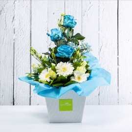CELESTE: bouquet fresh azzurro con Lisianths, Rose e Gerbere.