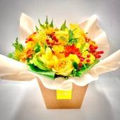 """NEW!!! Ultima creazione dei nostri Bouquet Fresh! Vi presentiamo """"Beatrice"""" solare e allegro proprio come questa estate! Senza bisogno di vaso! 🌻💐link in bio🌻💐"""